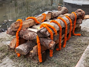 World Funeral Customs: Hindu Funeral Traditions